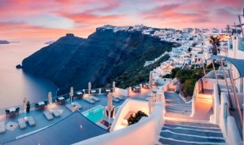 AjiNsafro vous propose un séjour à La Grecque, Athènes et Santorin Seulement avec 7980 MAD Du 05/04 au 12/04/2019